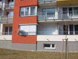 Předokenní rolety na balkon