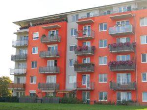 Předokenní rolety a jejich instalace na balkóny